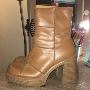 Transit 90s vintage chunky heel boot